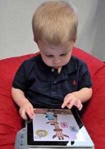 256px-child_with_apple_ipad-212x300